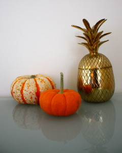 The pineapple is a sign of Southern hospitality- perfect for Thanksgiving!