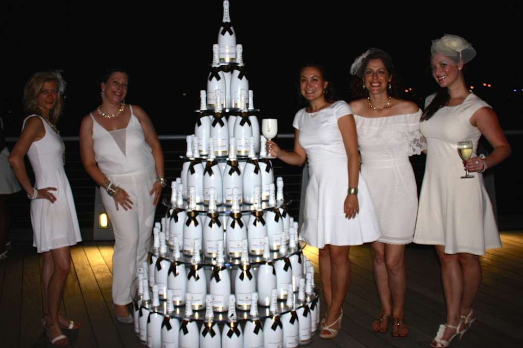 Having fun with friends in front of the Moët Ice Tower, official sponsor of the event.